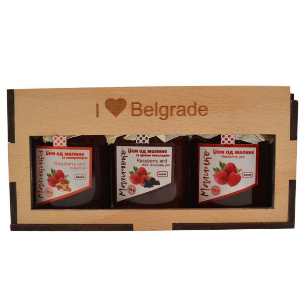 Slatka teglica drvena poklon kutija I LOVE BELGRADE - tri džema 3x50g