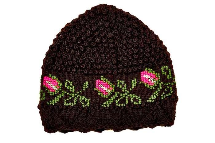 Ručno pletena kapa
